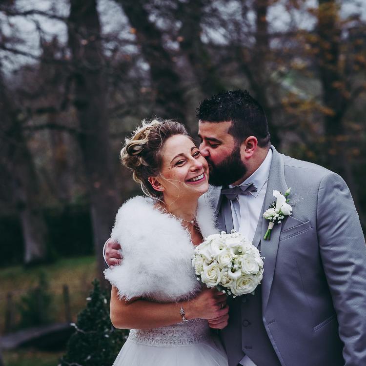 Bouquet-mariée-fleurs-cortege-ceremonie-bijou-chic-elegant-mariage-luxe-hautdegamme-bordeaux-paris-lpfloraldesigner