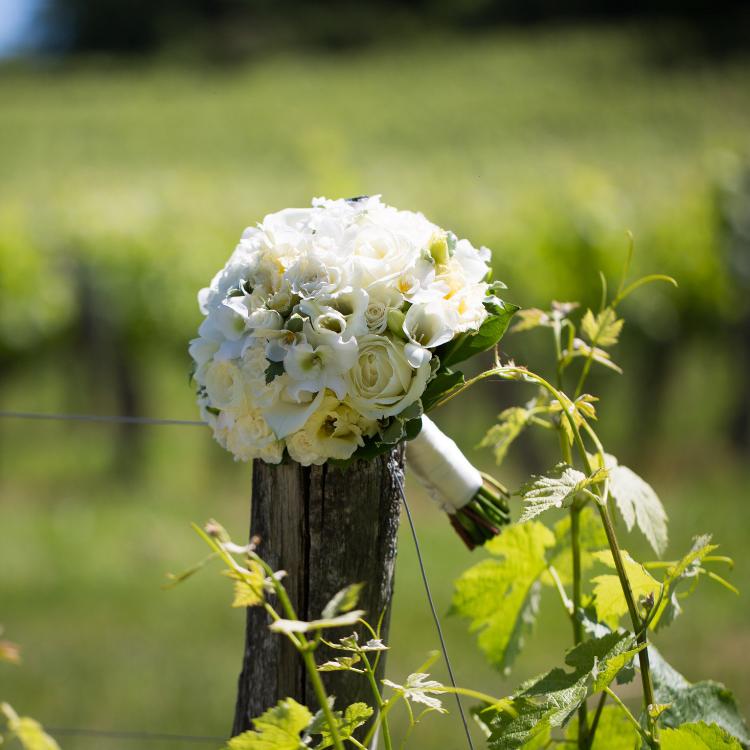 Bouquet-mariee-bijou-chic-mariage-fleurs-bordeaux-lpfloraldesigner