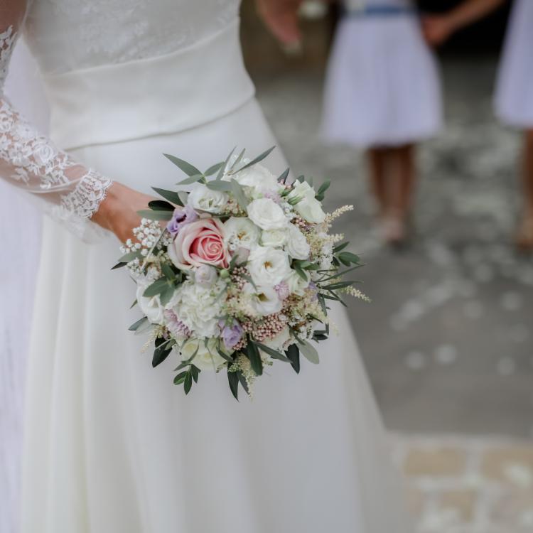 Bouquet-mariee-provence-fleurs-mariage-Bordeaux-lpfloraldesigner