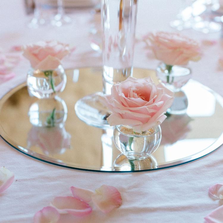 Décoration-table-luxe-mariage-fleurs-bordeaux-lpfloraldesigner