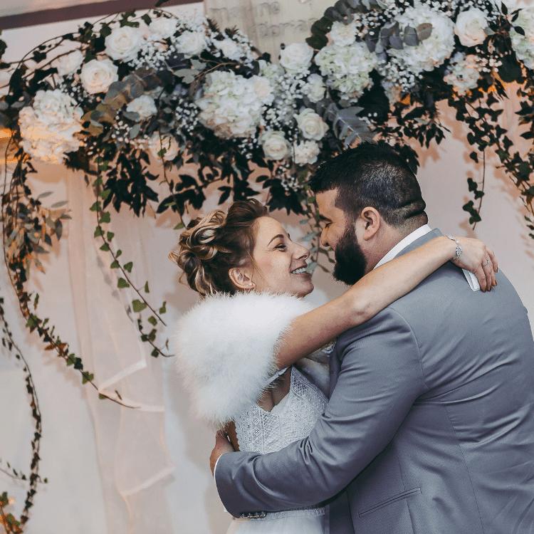 Fleurs-ceremonie-laique-arche-union-decoration-mariage-luxe-bordeaux-paris-chic-elegant-lpfloraldesigner