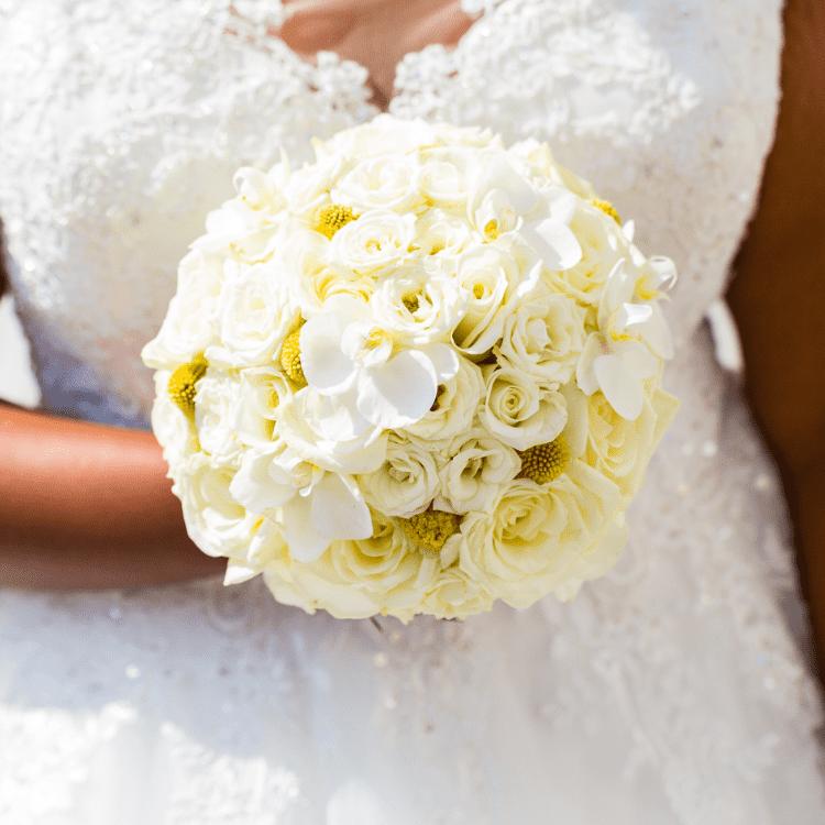 bouquet-mariee-bijou-chic-rose-orchidée-fleurs-mariage-bordeaux-lpfloraldesigner